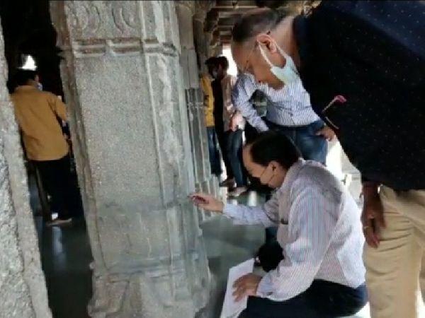 महाकाल मंदिर में पत्थरों के स्ट्रक्चर की जांच करते सीबीआरआई के वैज्ञानिक - Dainik Bhaskar