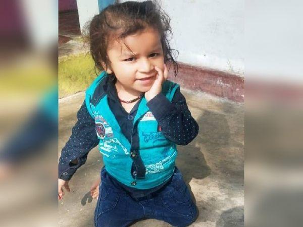हादसे ने अनिल गुप्ता से एक साथ उनकी बीवी और बच्चे को छीन लिया। उनके आंगन में अब अथर्व की खिलखिलाहट सुनाई नहीं देगी।