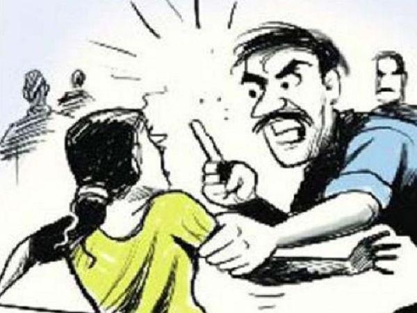 छत्तीसगढ़ के बिलासपुर में छेड़छाड़ के आरोपी ने जमानत पर छूटने के बाद छात्रा के घर में घुसकर उससे मारपीट की। - Dainik Bhaskar