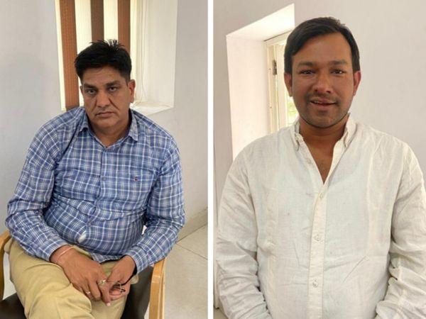 जयपुर में 1 लाख रुपए की रिश्वत लेते गिरफ्तार हुए एएसआई राधेश्याम यादव (नीला शर्ट पहने) और दलाल मधुसूदन शर्मा। - Dainik Bhaskar