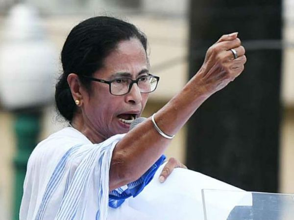 ममता ने कहा कि अभिषेक को राज्यसभा जाने को कहा था, लेकिन वो बोले कि चुनाव जीतकर लोकसभा जाना चाहता हूं। - Dainik Bhaskar