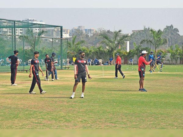 वन डे टूर्नामेंट - Dainik Bhaskar