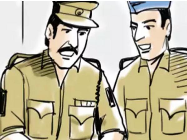 इस मामले में शिकायत मिलने के बाद केस दर्ज कर पुलिस आरोपी की तलाश कर रही है। - प्रतीकात्मक फोटो - Dainik Bhaskar