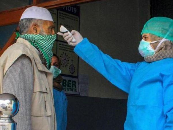 संक्रमण के बढ़ते खतरे को देखते हुए कई शहरों में फिर से चेकिंग का काम शुरू हो गया है। - Dainik Bhaskar