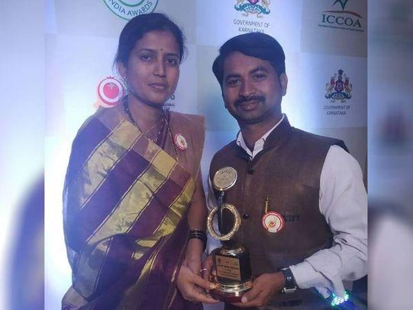 महाराष्ट्र के सांगली जिले में रहने वाले सचिन तानाजी येवले और उनकी पत्नी वर्षा सचिन येवले दोनों मिलकर ऑर्गेनिक फार्मिंग करते हैं। इसके लिए वे कई पुरस्कारों से सम्मानित भी हो चुके हैं। - Dainik Bhaskar