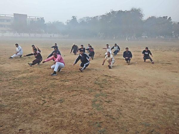 चारों स्वेट टीमों को अत्याधुनिक हथियारों से लैस होंगी। - Dainik Bhaskar