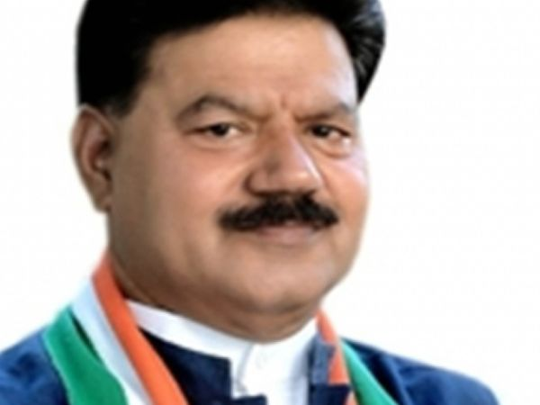 पूर्व मंत्री चौधरी राकेश सिंह - Dainik Bhaskar