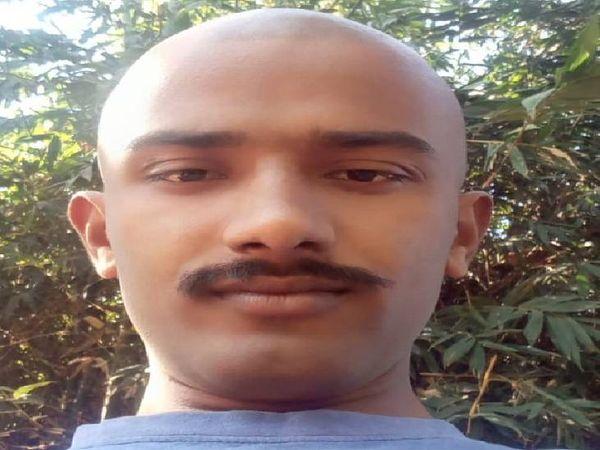 अरविंद सीधी में कंप्यूटर का जॉब करते थे। वे मंगलवार को अपनी बुआ की बेटी को परीक्षा दिलवाने के लिए सतना के लिए बस से रवाना हुए थे।