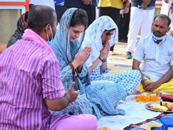 यह तस्वीर 11 फरवरी की है। तब प्रियंका बेटी मिराया के साथ प्रयागराज पहुंची थीं। उन्होंने संगम तट पर पूजा की थी।