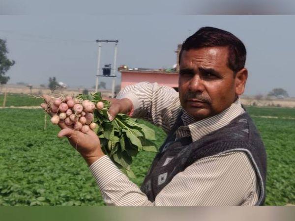 शिवम के पिता पहले से ही खेती करते रहे हैं। अब उन्होंने नई तकनीक से आलू की खेती शुरू की है।