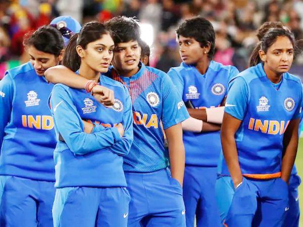 भारतीय महिला टीम ने आखिरी इंटरनेशनल मैच जनवरी, 2020 में टी-20 वर्ल्ड कप का फाइनल खेला था। फाइनल में ऑस्ट्रेलिया ने भारत को 85 रन से हराकर वर्ल्ड कप जीता था। (फाइल फोटो) - Dainik Bhaskar