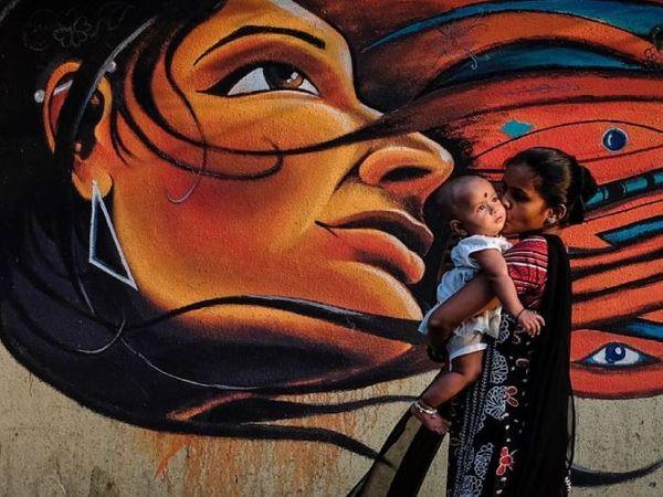 प्रदेश की महिलाओं व बेटियों को सौगात देते हुए 'महिला सामर्थ्य योजना' के नाम से एक नई योजना की शुरूआत प्रदेश में की जाएगी। - Dainik Bhaskar