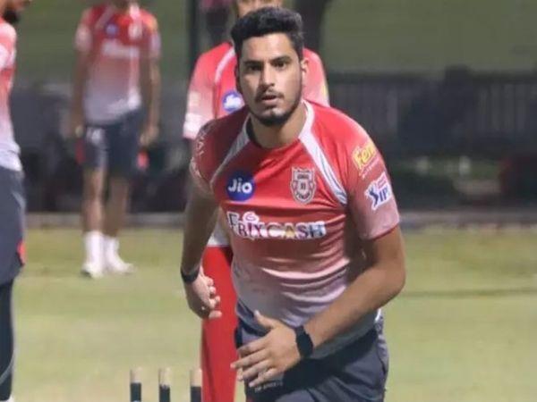वैभव ने सैयद मुश्ताक अली क्रिकेट टूर्नामेंट से T20 में डेब्यू किया था।