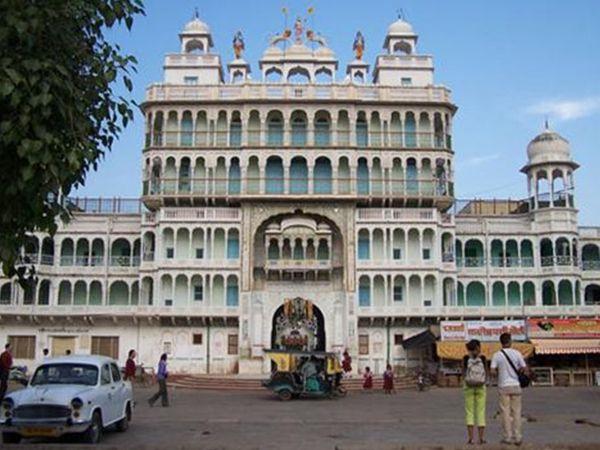 झुंझुनूं का प्रसिद्ध रानी सती मंदिर। (फाइल फोटो) - Dainik Bhaskar