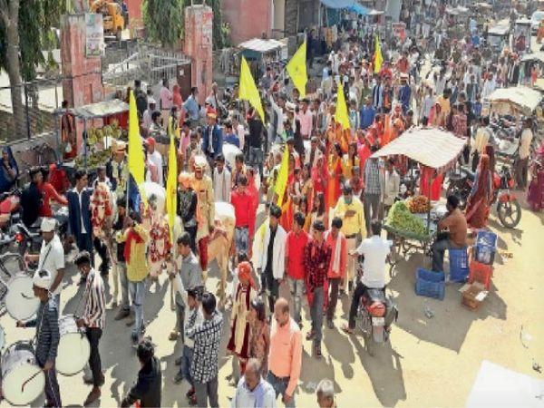 संत गाडगे महाराज की जयंती पर निकली विशाल शोभायात्रा - Dainik Bhaskar