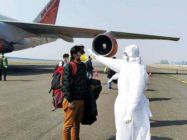 बाहर से आए यात्रियों की एयरपोर्ट और रेलवे स्टेशनों पर होगी जांच। (प्रतीकात्मक फोटो) - Dainik Bhaskar