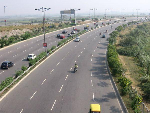 दिल्ली-मुंबई मेगा एक्सप्रेसवे - Dainik Bhaskar
