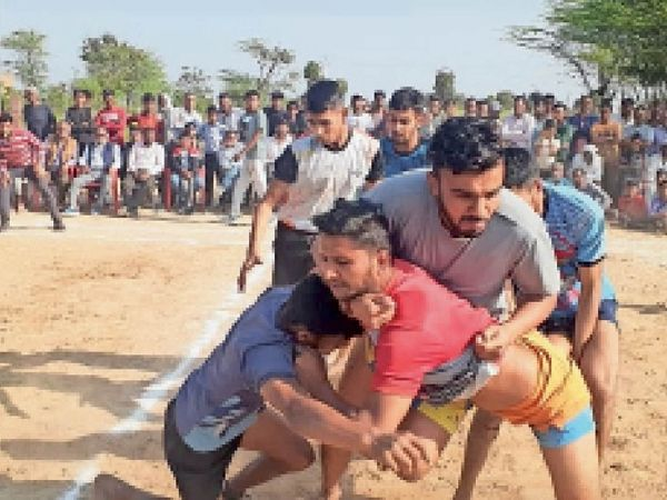 जीत की कशमकश - Dainik Bhaskar