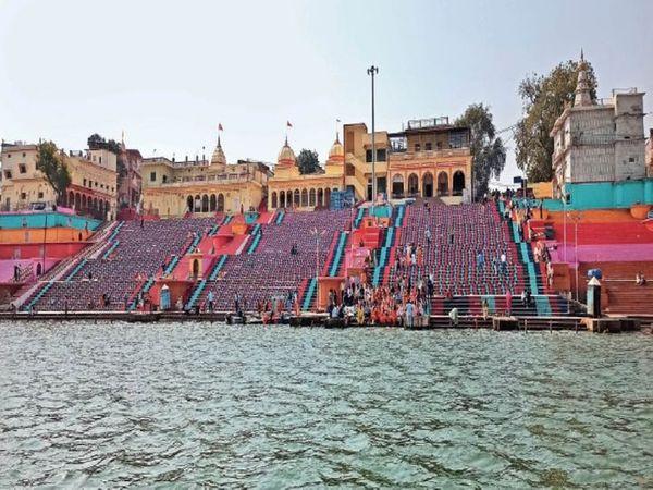 होशंगाबाद का 171 करोड़ का सीवरेज प्रोजेक्ट ढाई साल में पूरा नहीं हो पाया। फाइल फोटो - Dainik Bhaskar