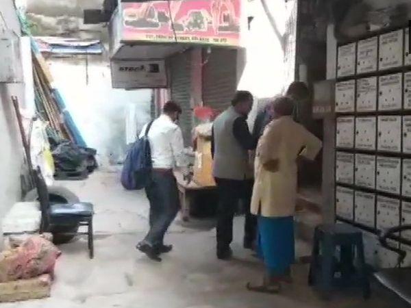 कोलकाता के एक बिजनेसमैन के दफ्तर पर शुक्रवार को CBI की टीम ने छापा मारा। एजेंसी ने अभी छापे से जुड़ी कोई जानकारी नहीं दी है। - Dainik Bhaskar