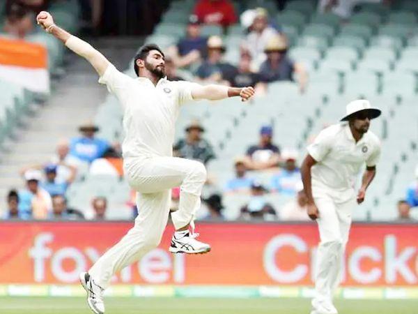 बुमराह 19 टेस्ट में 83 विकेट ले चुके हैं। वहीं, 67 वनडे में उनके नाम 108 विकेट है। 49 टी-20 में बुमराह ने 6.67 की इकोनॉमी से 59 विकेट लिए हैं।(फाइल फोटो) - Dainik Bhaskar