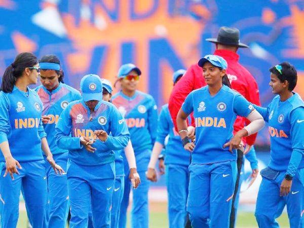 भारतीय महिला टीम ने पिछला मैच टी-20 वर्ल्ड कप में 8 मार्च 2020 को मेलबर्न में खेला था। तब ऑस्ट्रेलिया ने उसे 85 रन से शिकस्त दी थी। -फाइल फोटो - Dainik Bhaskar