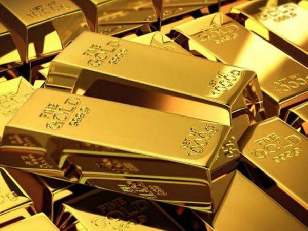 हवाई जहाज के शौचालय में खास तरीके से छिपा रखा था 65 लाख का सोना