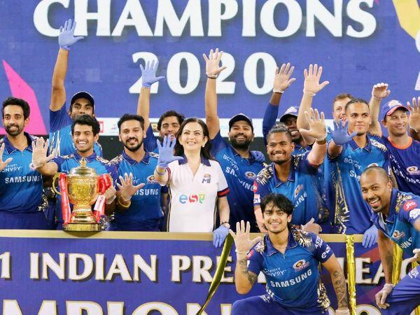 पिछला IPL टूर्नामेंट 19 सितंबर से 10 नवंबर तक UAE में कराया गया था। तब फाइनल में मुंबई इंडियंस ने दिल्ली कैपिटल्स को हराकर 5वीं बार खिताब जीता था। - Dainik Bhaskar