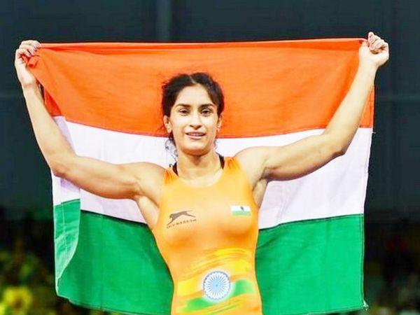 विनेशपहले ही 53 किग्रा वर्ग में टोक्यो ओलिंपिक के लिएक्वालिफाई कर चुकी हैं।वेओलिंपिकके लिएक्वालिफाई करने वाली भारत की इकलौतीवुमनरेसलरहैं। (फाइल फोटो) - Dainik Bhaskar
