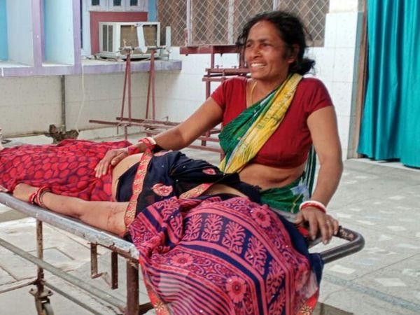 घटना के बाद रोते-बिलखते परिजन। - Dainik Bhaskar