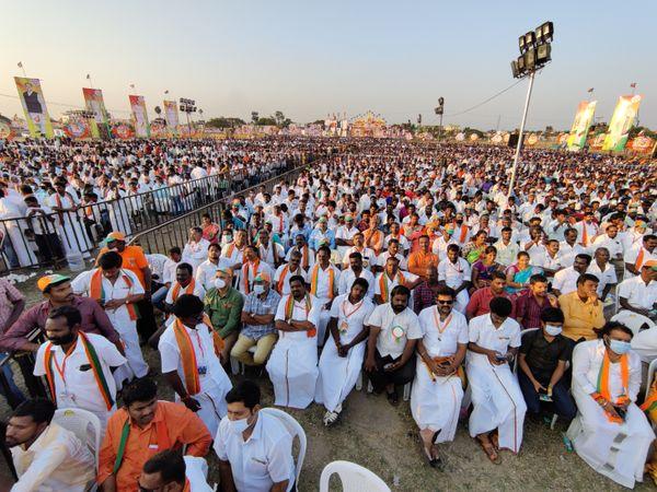 भाजपा तमिलनाडु की राजनीति के प्रमुख दलों में नहीं है, लेकिन फिर भी पार्टी के बड़े नेता ताबड़तोड़ सभाएं कर रहे हैं। इसके पीछे रणनीति यह है कि पार्टी राज्य में चर्चा में रहे और आने वाले समय में अपना जनाधार बढ़ा सके।