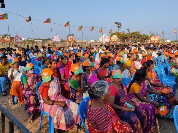 केंद्रीय गृहमंत्री अमित शाह की सभाओं में स्थानीय महिलाओं की भी अच्छी खासी भीड़ नजर आ रही है।