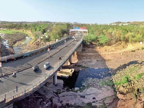 50 लाख रुपए से सर्वधर्म पुल के पास होगा तैयार - Dainik Bhaskar
