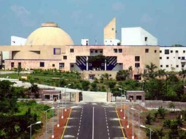 बजट सत्र के दौरान गुरुवार 4 मार्च को वित्त मंत्री जगदीश देवड़ा विधानसभा में 29,979 करोड़ के दो सप्लीमेंट्री बजट पेश करेंगे। - Dainik Bhaskar