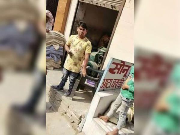 पानीपत. इस आटा चक्की के अंदर कर्मचारियाें ने बिजली चाेरी पकड़ी। फाेटो | भास्कर - Dainik Bhaskar