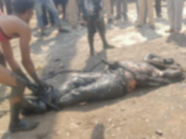 पुलिस ने मनसुख हीरन का शव शनिवार को एक नाले से बरामद किया। पुलिस ने इस मामले में केस दर्ज कर लिया है। - Dainik Bhaskar