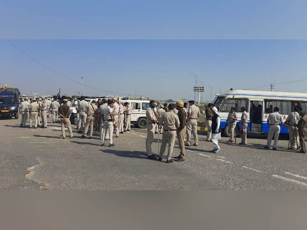 Police force deployed on KMP-KGP Expressway.
