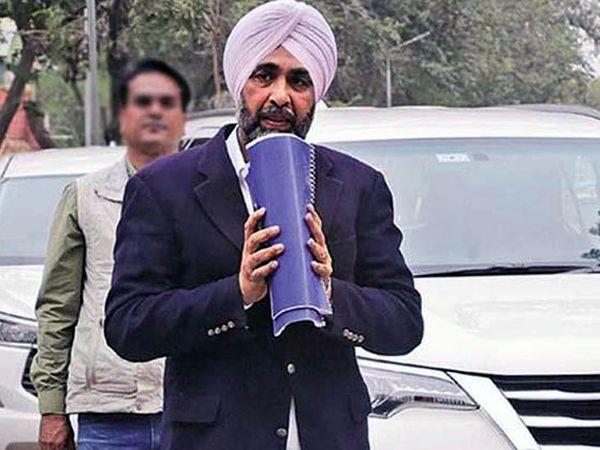विधानसभा अपना आखिरी बजट प्रस्तुत करने के लिए तैयार पंजाब के वित्त मंत्री मनप्रीत सिंह बादल। - Dainik Bhaskar