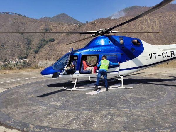 धन सिंह रावत को सीएम बनाए जाने की चर्चा है। उन्हें सरकारी हेलिकॉप्टर से उनके विधानसभा क्षेत्र श्रीनगर से राजधानी देहरादून लाया गया है।