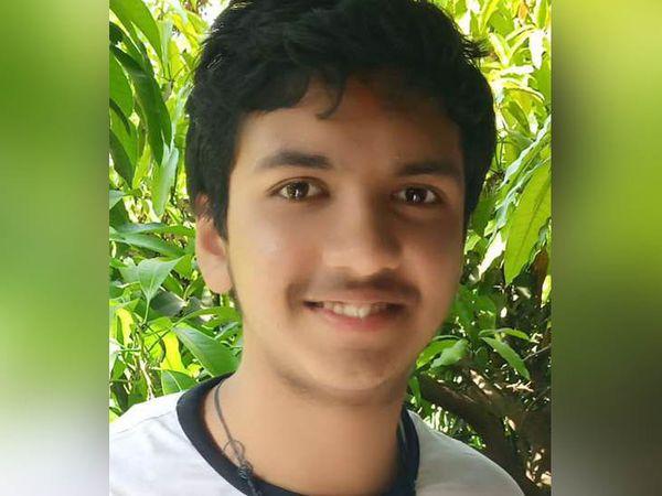 JEE Mains में उपलब्धि हासिल करने वाला लुधियाना के शास्त्री नगर स्थित BCM आर्य स्कूल का 12वीं का छात्र कनव सिंगला। - Dainik Bhaskar