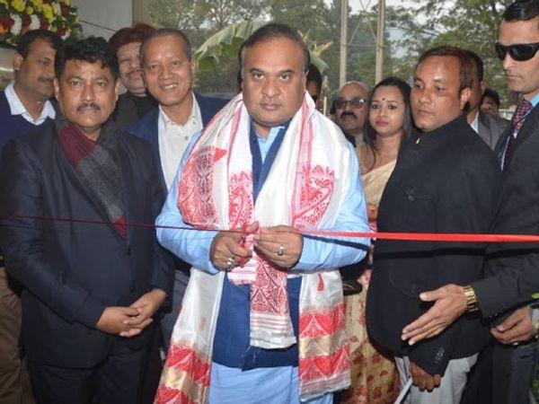 हेमंत बिश्व सरमा असम में भाजपा के कद्दावर नेता हैं। पुलिस ने उनकी हत्या की साजिश का खुलासा फोन टेपिंगसे किया है। - Dainik Bhaskar