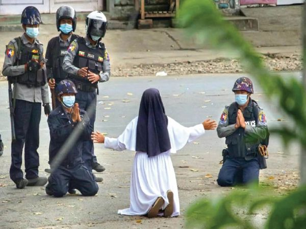 Nun sister en rose nu tawang stood as a barrier in front of the soldiers raining bullets.  During this, soldiers took down guns and sat on their knees with folded hands after seeing Sister Rose's attitude.  - Dainik Bhaskar