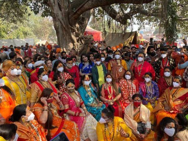 हरिद्वार के कुंभ में किन्नर अखाड़ा पहली बार आया है। इस बार यह अखाड़ा कुंभ मेले का सबसे बड़ा आकर्षण है।