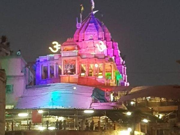 ओंकारेश्वर मंदिर में भक्तों के लिए विशेष व्यवस्था की गई है।