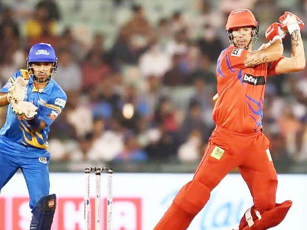 पीटरसन ने अपनी 75 रन की पारी में 37 गेंदें खेलीं और 6 चौके और 5 छक्के लगाए।