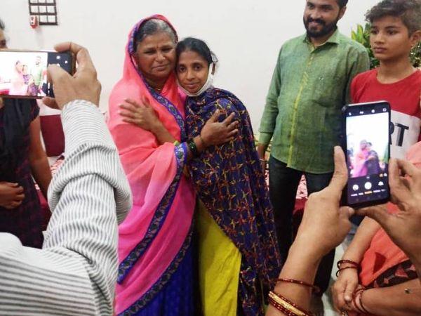 महाराष्ट्र के औरंगाबाद शहर के वाजुल में रहने वाली मीना पांद्रे ने गीता को अपनी बेटी बताया है।  -फाइल फोटो - Smart Newsline