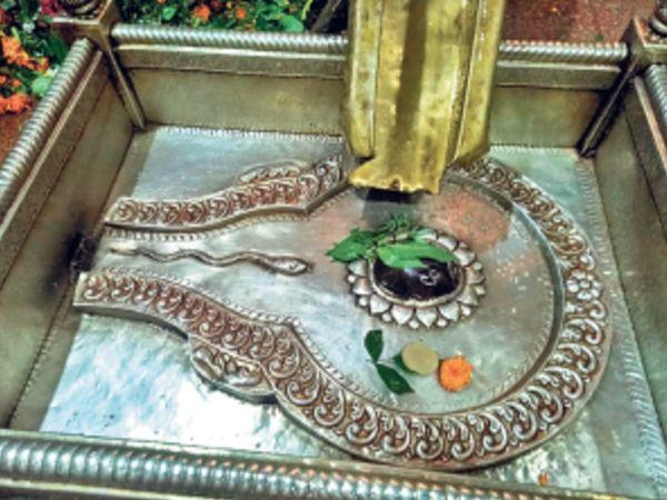 | इकलौता मंदिर जहां शैव, शाक्त व वैष्णव अलग करते हैं जलाभिषेक।