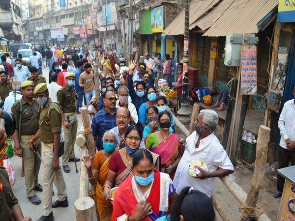 महाशिवरात्रि के दिन बाबा के भक्तों की भीड़।