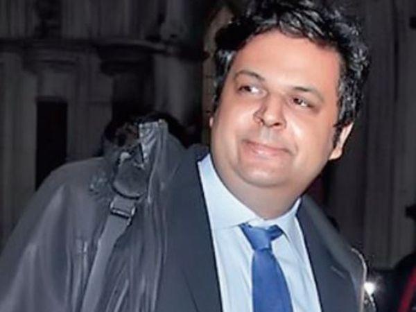 Faiz Siddiqui, 41, living in London, has filed a case on his parents demanding for maintenance (maintenance).  - Dainik Bhaskar