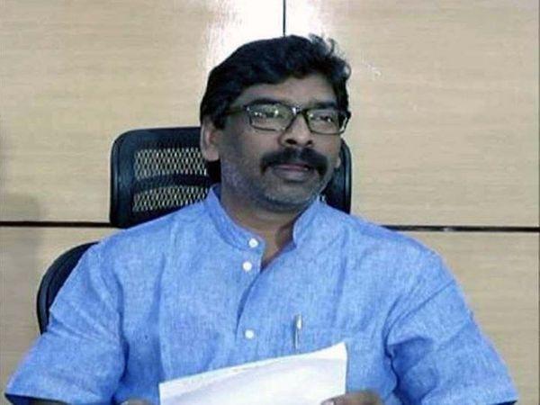 JMM ने बंगाल में चुनाव लड़ने की तैयारी कर ली थी। झारग्राम में हेमंत सोरेन की रैली को चुनाव से जोड़कर देखा जा रहा था। -फाइल फोटो - Dainik Bhaskar